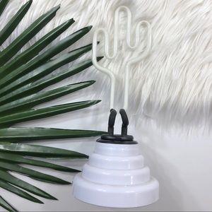 [UO] Florescent Cactus Neon Light